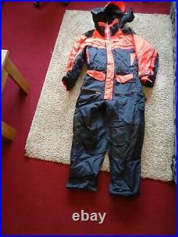SUNDRIDGE SAS MK 2.1 PIECE FLOATATION SUIT. UNUSED. XL. 45/46 (108/116 cms)